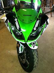 2011 Kawasaki Ninja ZX6R.  648 miles.  Oil changed at 100 and 500 mile